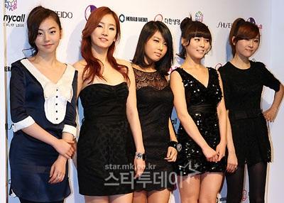 """Nhóm Wonder Girls cũng """"tấn công"""" thị trường Mỹ - 5"""