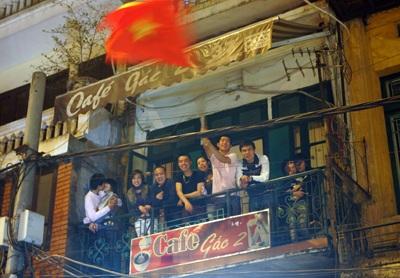 Chùm ảnh: Hà Nội ăn mừng đội tuyển vào chung kết AFF Cup - 18