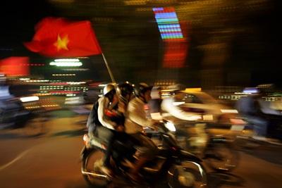 Chùm ảnh: Hà Nội ăn mừng đội tuyển vào chung kết AFF Cup - 2
