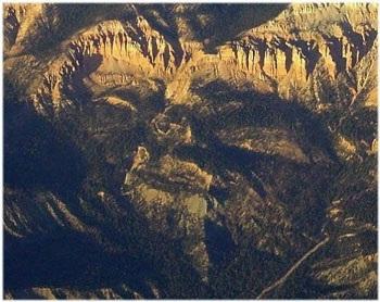 Chùm ảnh: Mặt người trên núi đá - 3