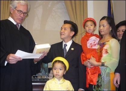 Trí thức gốc Việt đầu tiên tại Quốc hội Mỹ - 2