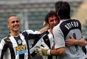 Milan bị cầm hòa, Juve tiến gần tới scudetto - 1