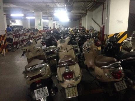 Cư dân ở chung cư Mipec đã được gửi xe vào hầm và mức phí gửi xe máy hàng tháng được giữ nguyên.