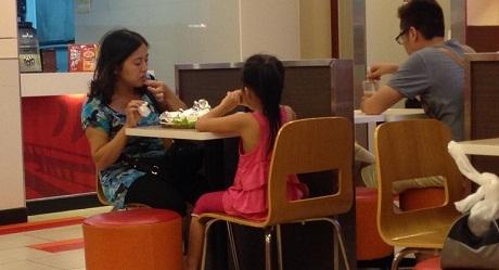 Nhiều khách hàng đã tạm ngưng sử dụng món khoai tây chiên