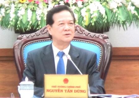 Thủ tướng Nguyễn Tấn Dũng yêu cầu hết sức chăm lo Tết cho nhân dân.