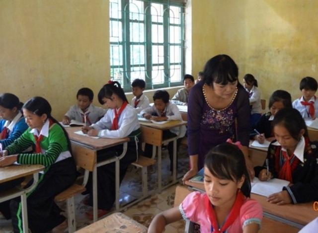 Với cô giáo Thủy, để dạy học trò vùng cao phải dạy bằng cả trái tim mình