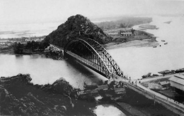 Cầu Hàm Rồng lịch sử- nơi hứng chịu bao nhiêu trận bom càn quét của địch
