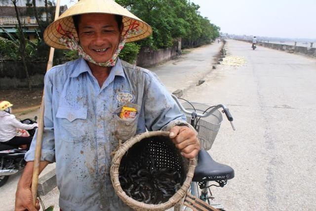 Người dân phấn khởi vì nghề săn cá còi cho thu nhập cao