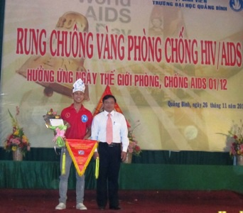 """""""Sinh viên Quảng Bình nói không với HIV/AIDS"""" - 2"""