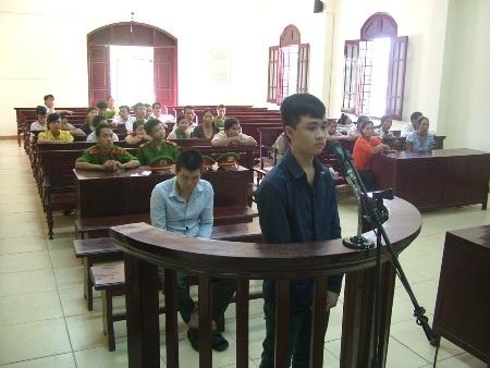 Bị cáo Ngô Công Hậu lãnh 7 năm tù giam về tội hiếp dâm trẻ em