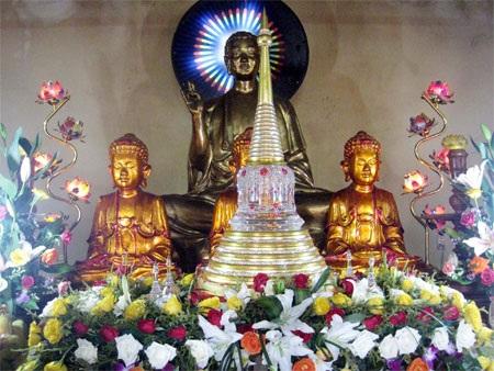 Hình ảnh trong buổi lễ cung nghinh ngọc xá lợi tại chùa Phổ Minh