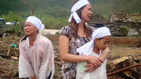 Quỹ Nhân ái hỗ trợ gần 60 triệu đồng đến bà con vùng bão lũ