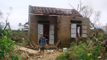 Khung cảnh tan hoang do thiên tai gây ra tại Quảng Bình cuối năm 2013