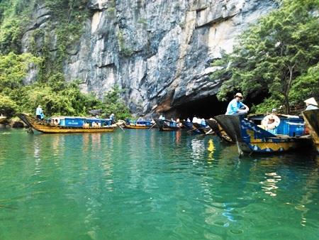 Khách du lịch đến với Phong Nha - Kẻ Bàng tăng 300% so với cùng kỳ năm ngoái