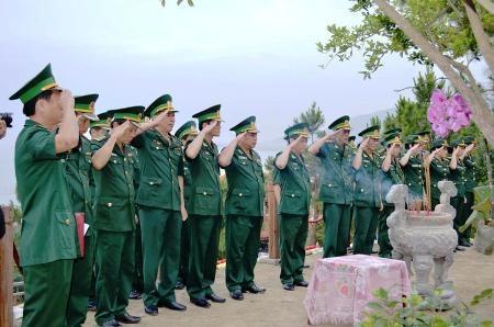 ...Bộ chỉ huy BĐBP tỉnh Quảng Bình đến viếng Đại tướng Võ Nguyên Giáp