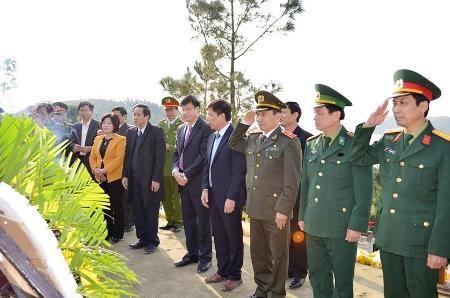 Đoàn lãnh đạo tỉnh Quảng Bình...