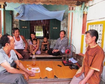 Vẻ mặt bần thần, lo lắng của gia đình chủ tàu Nguyễn Văn Thành