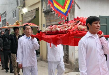 """Về hội làng Triều Khúc xem """"con đĩ đánh bồng"""" - 2"""