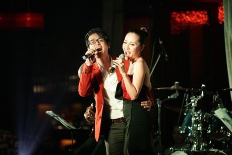 Văn Mai Hương - Lê Hiếu ngượng ngập thi hôn ngày Valentine - 19