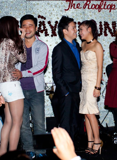 Văn Mai Hương - Lê Hiếu ngượng ngập thi hôn ngày Valentine - 6