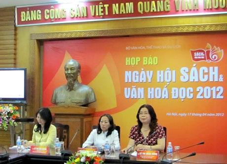 Nhiều hoạt động thu hút tại Ngày hội Sách và Văn hóa Đọc 2012