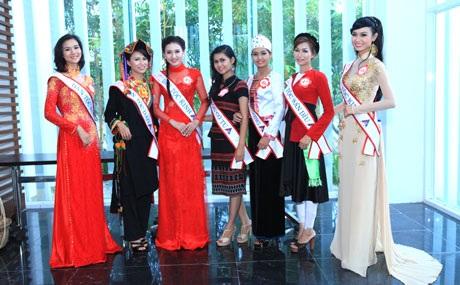 Vẻ đẹp của một số thí sinh Hoa hậu dân tộc tại phần thi ứng xử