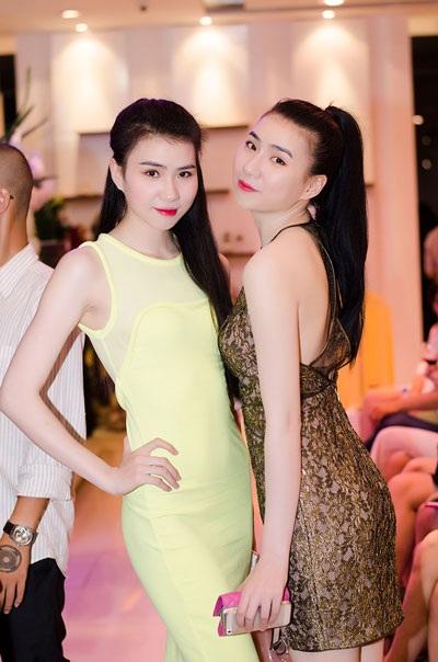Phạm Hương - top 5 Vietnam's Next Top Model thanh thoát với váy trắng