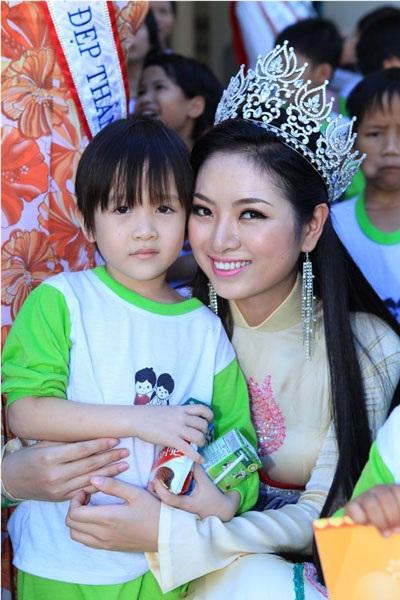 Tân Hoa hậu Ngọc Anh nhận được nhiều sự ủng hộ của khán giả