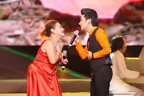 Siu Black tung hứng với Quang Hà ca khúc Mùa thu lá bay