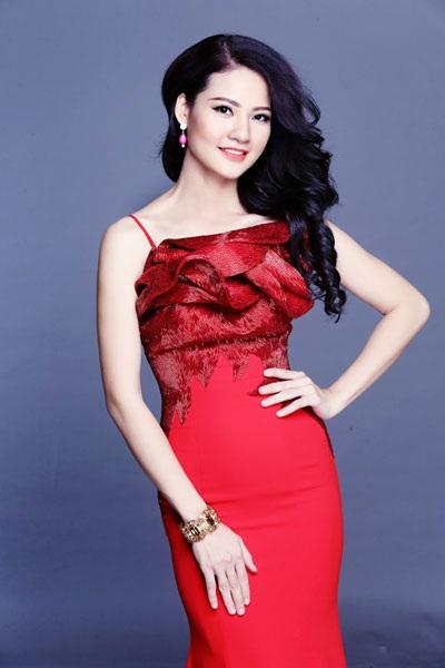 Trần Thị Quỳnh đang tham dự cuộc thi Hoa hậu Quý bà Thế giới 2013 tại Trung Quốc