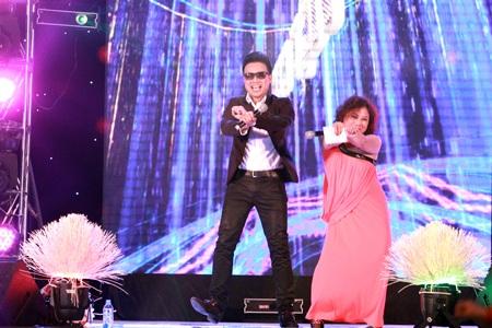 Họa mi núi rừng còn nhảy Gangnam Style trước sự cổ vũ nhiệt tình của khán giả nhí