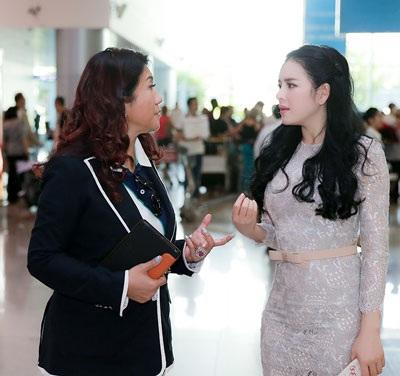 Lý Nhã Kỳ đón tiếp công chúa Thái Lan