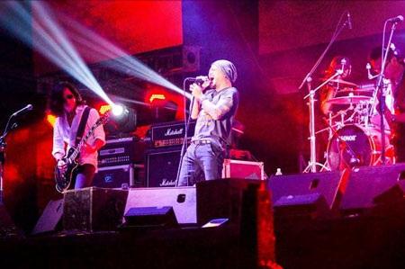 Bức Tường vẫn chứng minh được sức hút của mình với bao thế hệ rock Việt