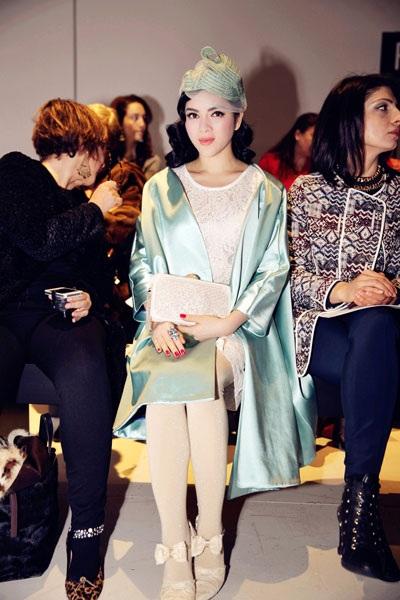 Người đẹp Việt Nam nổi bật ở hang ghế đầu