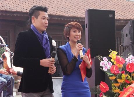 Anh Vũ- Quỳnh Trang dẫn chương trình tại Sân thơ Trẻ