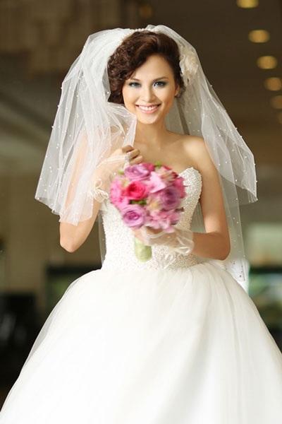 Hoa hậu Thế giới người Việt 2010 Lưu Thị Diễm Hương