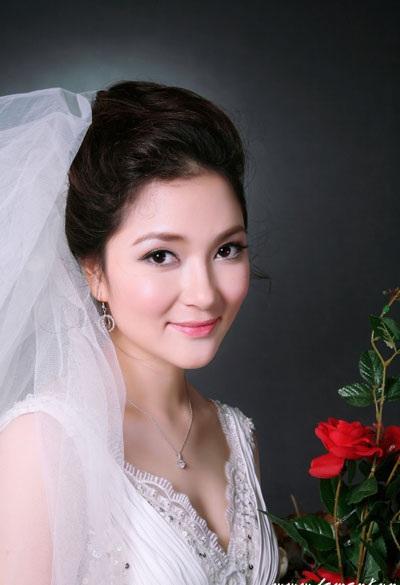 Hoa hậu Việt Nam 2004 Nguyễn Thị Huyền