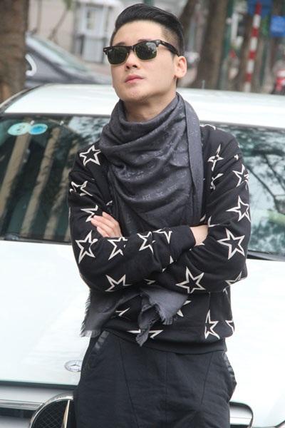 Em trai của Quế Vân thu hút nhiều ánh nhìn với vẻ ngoài điển trai, ăn vận như diễn viên Hàn Quốc
