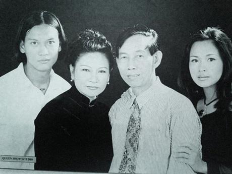 Gia đình hạnh phúc của nhạc sỹ Thuận Yến và NSƯT Thanh Hương