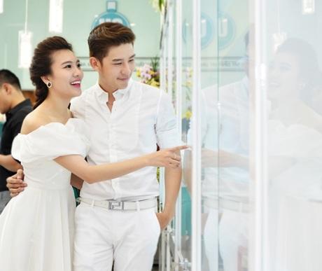 Á khôi Tăng Huỳnh Như trong sáng bên cạnh siêu mẫu Minh Trung
