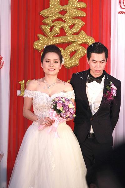 Thúy Trang kết hôn với Phạm Thanh Hà sáng ngày 19/3 sau gần hai năm yêu thương, gắn bó