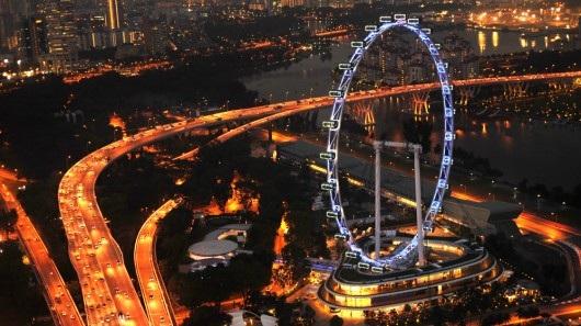 Vòng đu quay Singapore Flyer, cao 165 mét