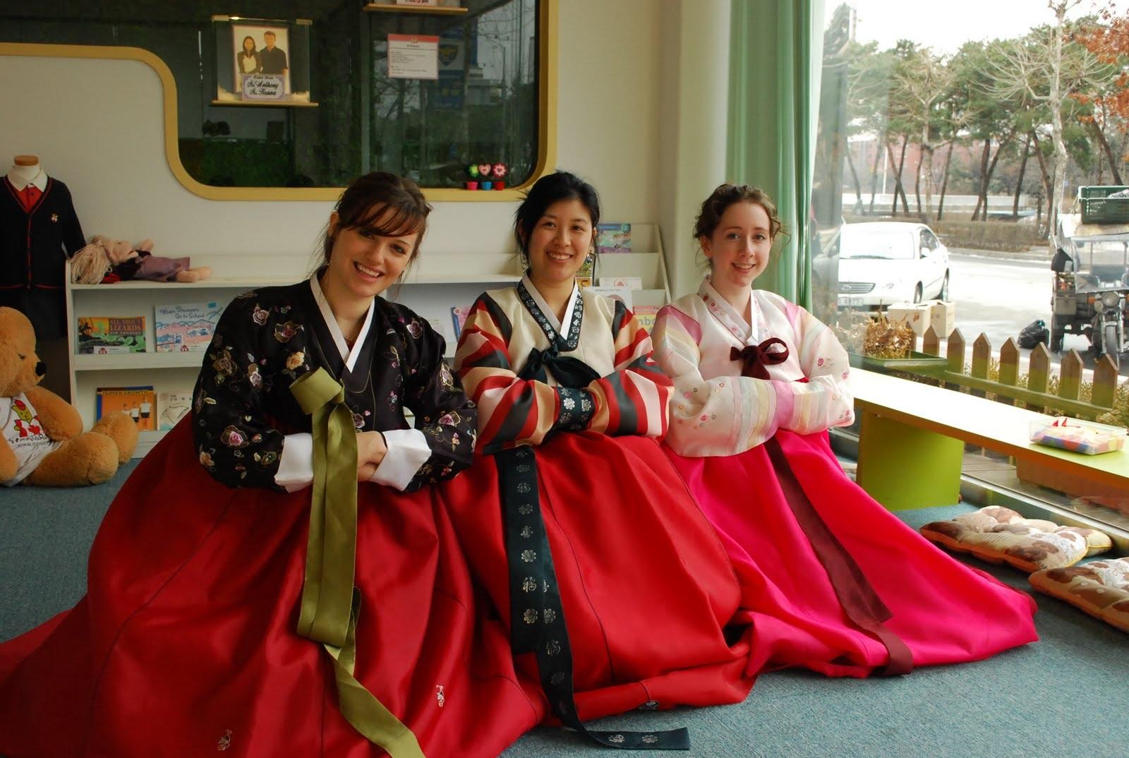 Trang phục truyền thống Hanbok của Hàn Quốc (Ảnh fromkoreawithlove)