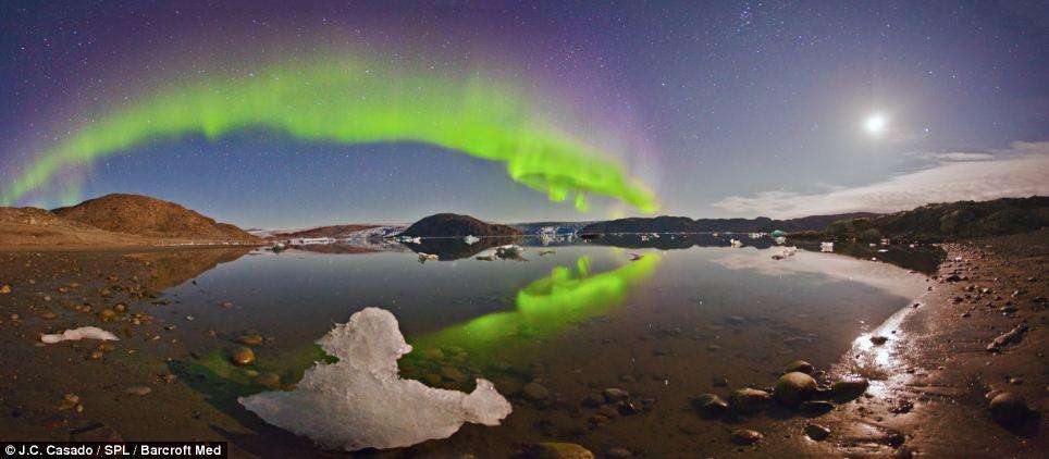 Chiếc cầu vồng xinh xắn tại Bán đảo Narsaq, Greenland