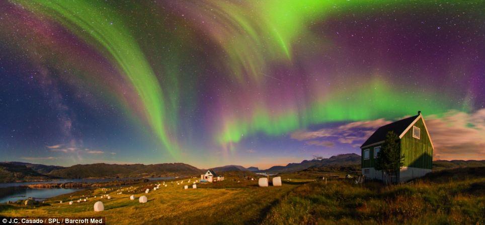 Ngắm Bắc cực quang tại trang trại Tasiusaq của Greenland