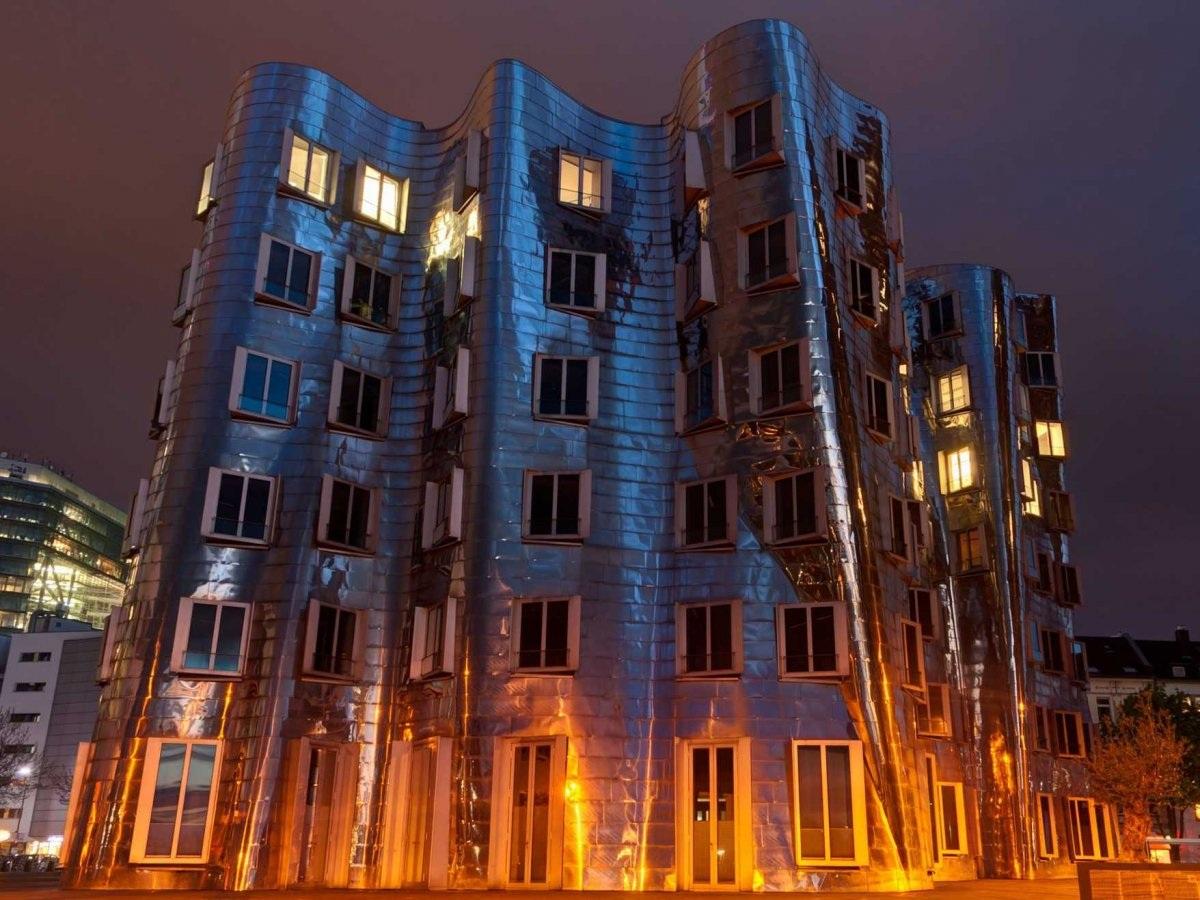 Tổ hợp tòa nhà Neuer Zollhof tại Düsseldorf, Đức do Frank Gehry thiết kế