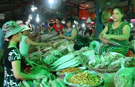 Chợ Cát Bà bày bán nhiều loại hải sản phong phú (Ảnh dulichhaiphong.gov.vn)