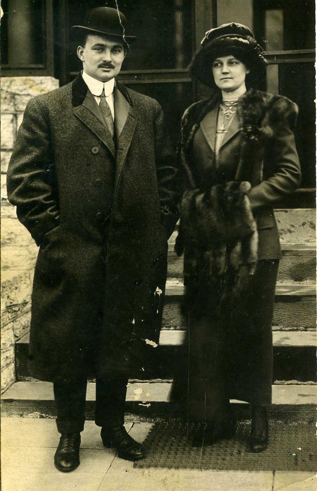 Vợ chồng ông John Snyder,