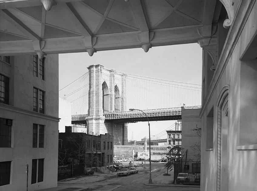 Bức ảnh về cây cầu Brooklyn năm 1982