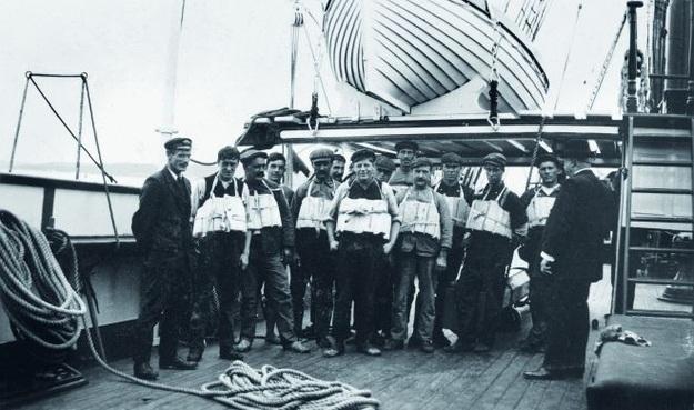Thủy thủ đoàn trên tàu Titanic